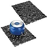 mDesign Juego de 2 alfombrillas antideslizantes recortables – Base para fregadero de cocina grande – Tapetes protectores para la vajilla y la pila de PVC – Con diseño de piedras – negro