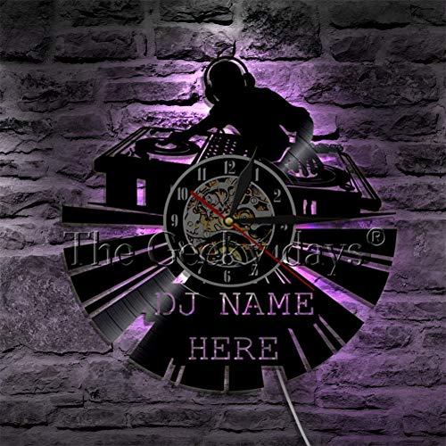 Yddlie DJ Silhouette Shadow Art Reloj de Pared Decorativo Personalidad DJ Nombre Nombre de Vinilo Reloj de Pared Diseño Moderno Mejor Regalo para DJ