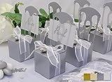 12x Kartonagen EinsSein® Gastgeschenke Hochzeit Tischkartenhalter Stuhl silber mit Namenskärtchen