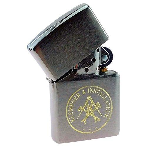 Klempner und Installateur Handwerk und Zunft Benzin-Feuerzeug - auf Wunsch mit Textgravur in Geschenke-Box mit Support-Paket