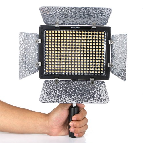 Yongnuo YN-300 II YN300 II LED Luce Video Hot Shoe per Canon EOS 600D 550D 7D 5D II Canon, Nikon, Pentax, Panasonic, Sony, Leica, Samsung e Olympus Digital SLR Cameras Camcoders DV Videocamera 5500K Illuminazione + 4 filtri colore (3200K-5500K Temperatura di colore regolabile)