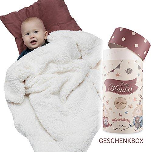 Flauschige Babydecke, Geschenk zur Geburt | Weiche Minky-Sherpa Kuscheldecke, Krabbeldecke & Kinderwagendecke für Junge & Mädchen | Hochwertige Geschenkbox | Öko-Tex 100 zertifiziert | 100x80cm beige