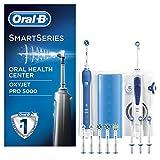 Oral-B Mundpflege Center - Oxyjet Munddusche + Oral-B SmartSeries 5000 Elektrische Zahnbürste, mit vier OxyJet Ersatzdüsen und sechs Aufsteckbürsten