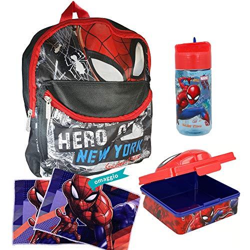 Kit Zaino Scuola Asilo Spiderman Con Zaino 2 Zip In Poliestere, Portamerenda 3D In Plastica, Borraccia In Tritan BPA FREE e IN OMAGGIO 2 Tovaglie - Articoli Licenziati Originali