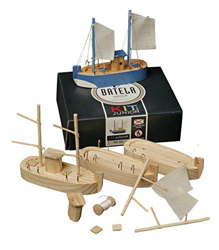 Batela Holz Modellschiff mit 3 Fischerbooten