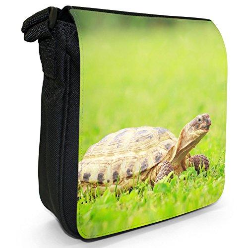 Mare di acqua dolce, motivo tartarughe che nuotano Borsa a spalla piccola di tela, colore: nero, taglia: S Nero (Turtle Walking In Grass)