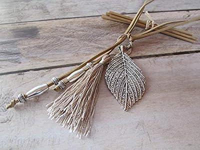 Collier sautoir en suédine beige, perle et pendentif en métal argenté,cadeaux pour elle, Cadeaux anniversaires, cadeaux Noël, cadeaux maman