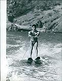 Photo Vintage de Roberto Benzi de faire Wakeskate on the River, 1959.
