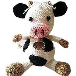 Vaca amigurumi diseñada para bebés