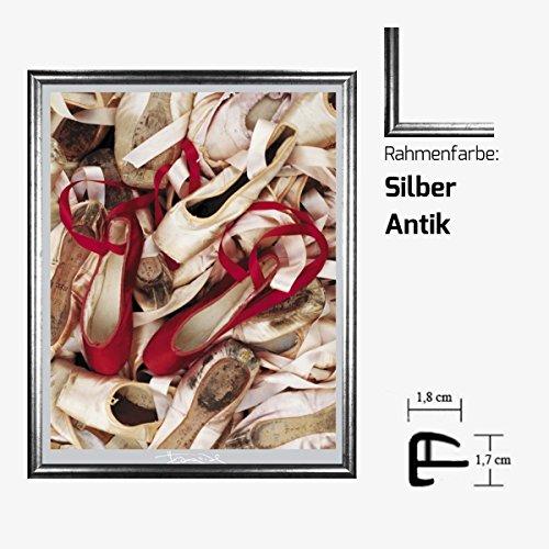 Kunstdruck EDWARDS - Satin Shoes Balettschuhe Schuhe 40 x 50 cm mit Kunststoff-Bilderrahmen & Acrylglas reflexfrei, viele Farben zur Auswahl, hier Silber Antik