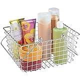 mDesign Cesta de acero inoxidable – Práctico almacenaje de baño para productos de aseo o toallas – Cesta de baño con asas – Color: Plateado / cromado