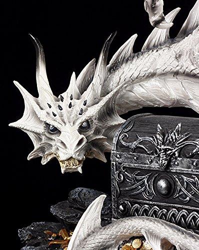 Große weiße Drachen Figur bewacht Schatztruhe - 6