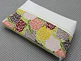 Kosmetiktasche mit Kunstleder und Reißverschluss Vintage Blumen und weiss