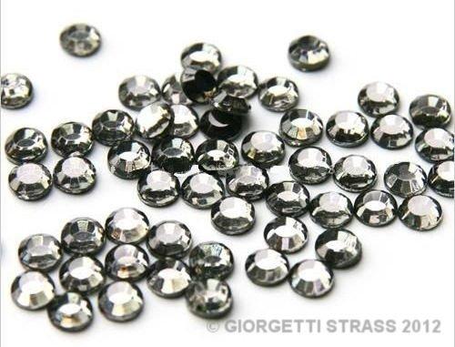 strass-termoadesivi-150pz-ss6-2mm-grigio-black-diamond-hotfix-adesivi-a-caldo