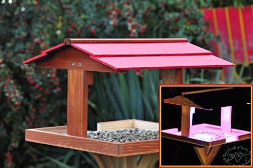 Vogelhaus,Futterhaus mit Ständer,DACH ROT,MIT Beleuchtung,LED-Licht / Vogelhaus,wetterfest IN (TEAK) DUNKELBRAUN,belHI-VIERDAROT-BEL-dbraun002 groß, PREMIUM Vogelhaus KOMPLETT mit Ständer,WETTERFEST, Holz Vogelhaus,MIT,Vogelfutter-Station Farbe braun dunkelbraun schokobraun rustikal klassisch,Ausführung Naturholz MIT WETTERSCHUTZ-DACH für trockenes Futter - 2