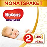 Huggies Couches Ultra Comfort Newborn Baby Taille 2 semi Mona tsbox, 1er Pack (1 x 210 pièces)