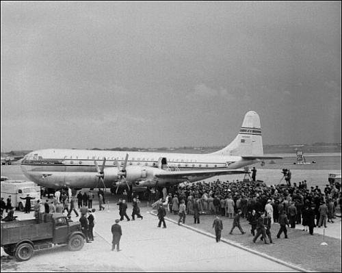 photographic-print-of-boeing-stratocruiser-of-pan-am