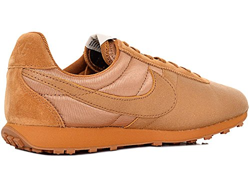 Nike , Baskets pour homme Camel