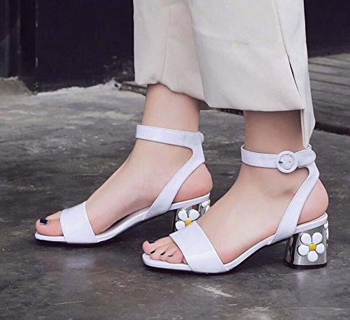 Pompa 5,5 centimetri Fiori Tacchi alti vera pelle Cinturino alla caviglia sandalo sandali Scarpe casual Scarpe da sera Scarpe da sposa Donne Semplice Colore puro Aprire il piede Fibbia della cintura T white