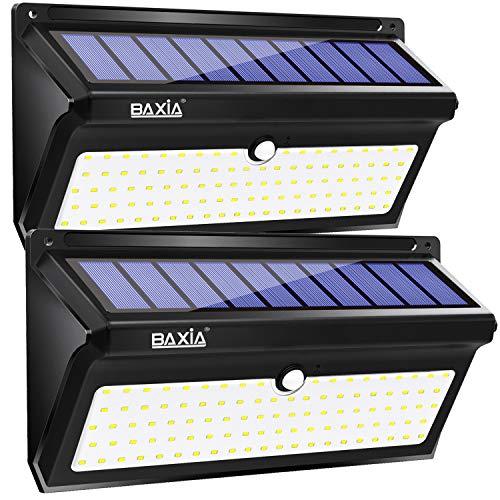 """Instrucciones de instalación: 1. Libere y active la lámpara solar de seguridad para exteriores: Primero, use el broche de seguridad suministrado para hacer clic en el orificio del interruptor """"on/off"""" y libere la batería y el sistema de iluminación, ..."""