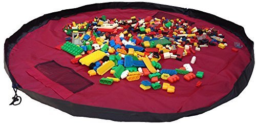 les-enfants-jouent-au-jeu-de-tapis-et-au-sac-a-rangement-de-bow-tigertm-tapis-dactivite-pour-enfants