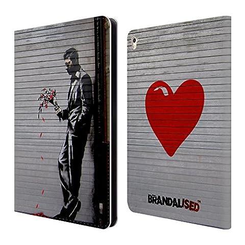 L Officiel Art - Officiel Brandalised L'arnaqueur Banksy Étiquettes De La