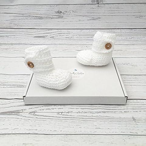 white baby booties crochet
