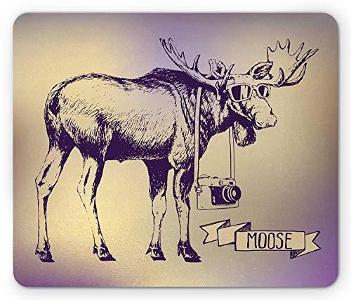 Elch Mauspad, Hipster Deer mit Sonnenbrille und Kamera Vintage Ombre Design lustige Tierkunst, Standardgröße Rechteck rutschfeste Gummi Mousepad, lila Beige,Gummimatte 11,8