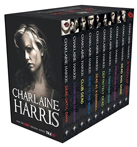 True Blood Boxed Set 2: CLUB DEAD / LIVING DEAD IN DALLAS / DEAD UNTIL DARK / DEAD TO THE WORLD / DEAD AS A DOORNAIL / DEFINITELY DEAD  / ALL TOGETHER ... / A TOUCH OF DEAD (Sookie Stackhouse Vampire) (Blood True Bücher)