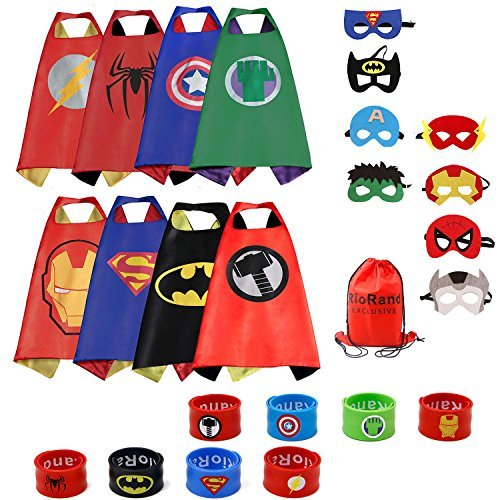 RioRand Dress Up Kostüme Comics Cartoon 8 Satin Capes Set mit 8 Armbändern und 1 Tragetasche (Superhelden Kostüme)