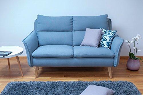 Einzelsofa 2-Sitzer Insideout passend zur kompletten Wohnlandschaft im Landhausstil mit Füssen aus Eiche und Bezug aus hochwertigem Stoff und aufwändig gesteppten Nähten. Hohe Sitzhöhe, gemütlich hoher Sitzkomfort. Auch als Besprechungssofa geeignet