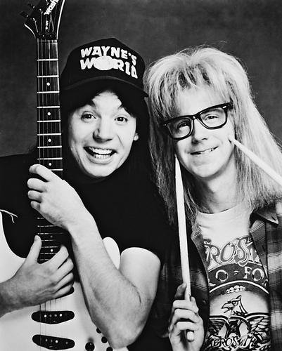 Moviestore Mike Myers als Wayne Campbell unt Dana Carvey als Garth Algar in Wayne's World 25x20cm Schwarzweiß-Foto