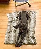 Felldecke aus Webpelz, Hundedecke Grauwolf mit grau-beigem Fell 60x90cm
