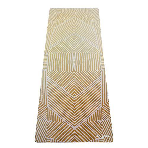 Yoga Design Lab Pendler Matte 1,5mm | Rutschfest, faltbar, leicht, Matte/Handtuch | Guter Halt bei schweißtreibendem Sport | Waschmaschinenfest | Ideal für Hot Yoga, Bikram (Optical Gold)
