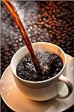 Poster 100 x 150 cm: Tasse heißen Kaffee gießen von Johan
