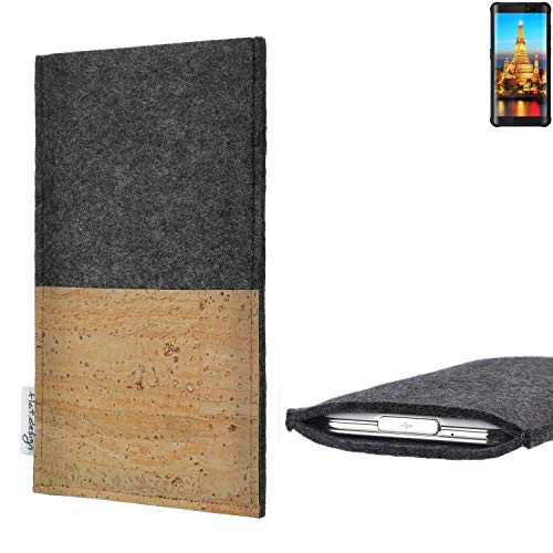 flat.design Handytasche Evora mit Korkfach für Energizer H590S - Schutz Case Etui Filz Made in Germany in hellgrau mit Korkstoff - passgenaue Handy Hülle für Energizer H590S