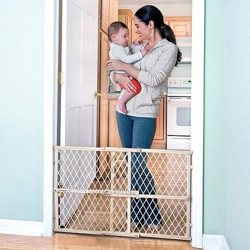 evenflo-safety-gate-position-and-lock-wood-baby-child-infant-pet-gate-newclassic-evenflo-safety-gate