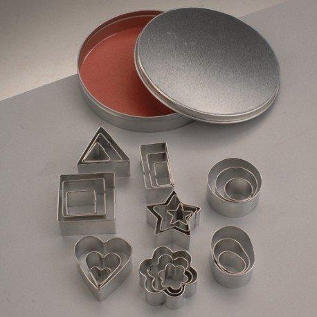 Emporte-pièces en inox, Coeurs, Fleurs, Formes géométriques, 1,5 à 4 cm, 24 pces