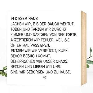 Wunderpixel® Holzbild In diesem Haus - 15x15x2cm zum Hinstellen/Aufhängen, echter Fotodruck mit Spruch auf Holz - schwarz-weißes Wand-Bild Aufsteller zur Dekoration oder Geschenk-Idee