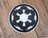 STAR WARS Logo des galaktischen Imperiums. Holzemblem für die Dekoration. Darth Vader, Stromtrooper, Sith, Palpatine, Starkiller, Todesstern