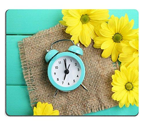 luxlady Gaming Mousepad Bild-ID: 27236555Wecker und schönen Blumen auf blau Holz Hintergrund (Wecker Blume)
