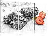Bio Müsliriegel mit Erdbeere schwarz/weiß 3-Teiler Leinwandbild 120x80 Bild auf Leinwand, XXL riesige Bilder fertig gerahmt mit Keilrahmen, Kunstdruck auf Wandbild mit Rahmen, günstiger als Gemälde oder Ölbild, kein Poster oder Plakat
