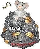 Unbekannt Spardose -  Ein Haufen Kohle ...  - mit Schlüssel + Name - Stabile Sparbüchse aus Kunstharz - Mäuse Geld Sparschwein Kohle Käse Geldhaufen Gold - Spardosen / Geldgeschenk Geburtstag