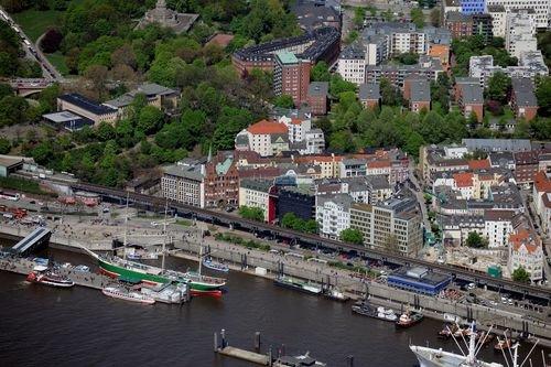 MF Matthias Friedel - Luftbildfotografie Luftbild von Johannisbollwerk in Neustadt (Hamburg), aufgenommen am 02.05.10 um 12:32 Uhr, Bildnummer: 5500-34, Auflösung: 6048x4032px = 24MP - Fotoabzug 50x75cm