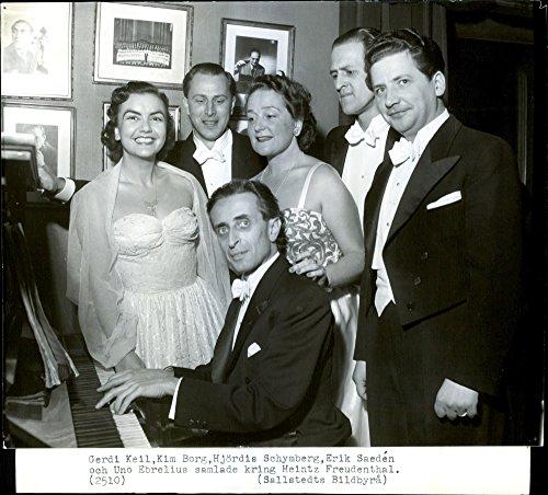 vintage-photo-of-gf-handels-opera-julius-caesar-in-the-recent-concert-processing-this-ensemble
