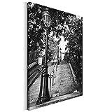 Revolio - Bilder - Leinwandbild - Wandbilder - Kunstdruck - Design - Leinwandbilder auf Keilrahmen 1 Teilig - Wanddekoration - Größe: 50x50 cm - Laterne Treppe Schwarz und Weiß