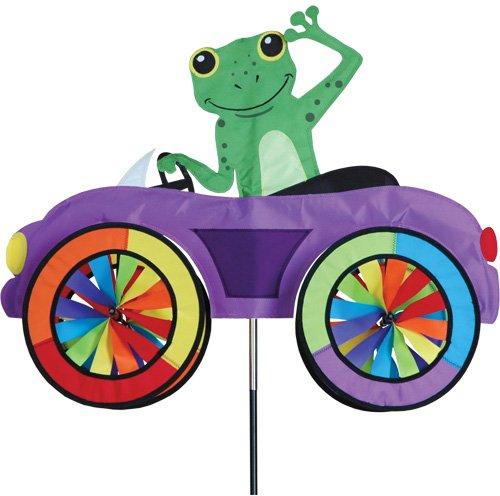 Girouette Grenouille dans sa voiture - moulin à vent de jardin, terrasse, balcon - décoration extérieure grenouille frog pour jardin - Matériau : tissu haut de gamme en polyester SunTex renforcé, structure en fibre de verre. Résiste aux UV et intempéries, Diamètre des roues : 20cm, Dimension : 64cm x 50cm, Hauteur: 110cm