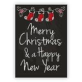 1 Weihnachtsgruß: Nette, englische, Retro Weihnachtskarte im Tafel Look mit Weihnachtsmann Socken: Merry Christmas & a happy new year!