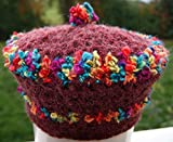 Damenmütze mit bunten Streifen