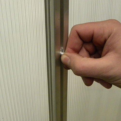 10 Muttern und Schrauben gekröpft Aluminium 19mm lang gemacht